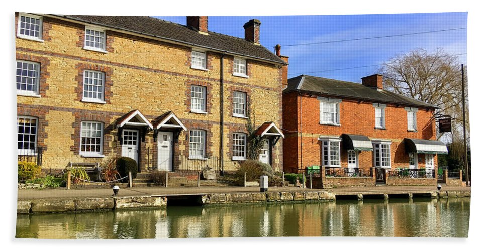 Stoke Bruerne Beach Towel featuring the photograph Stoke Bruerne Canal Cottages by Gordon James