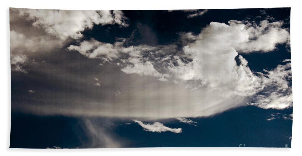 Clay Beach Sheet featuring the photograph Streakin' Cloud by Clayton Bruster