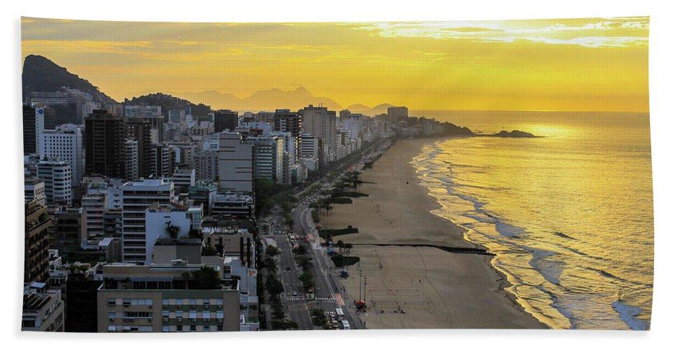 Rio De Janeiro Beach Towel featuring the photograph Sunrise In Rio De Janeiro by Mao Lopez