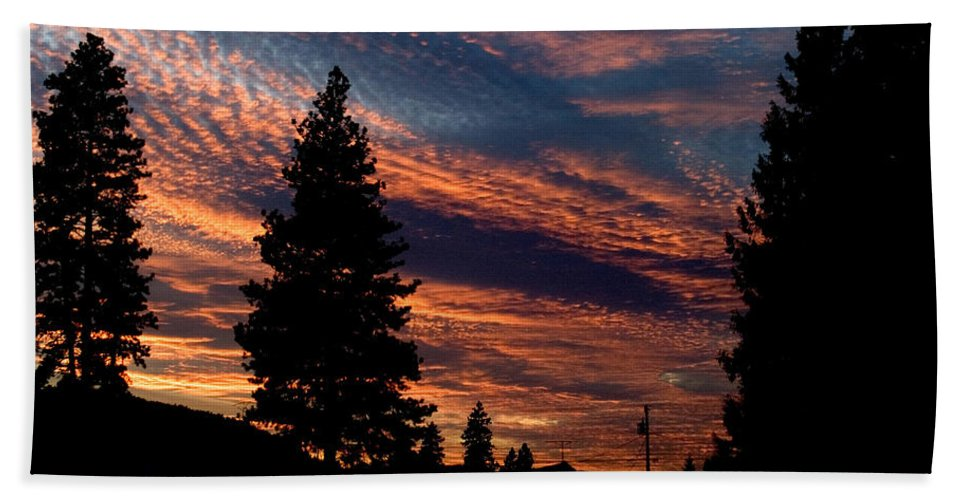 Landscape Beach Towel featuring the photograph Sunset 2 by Lee Santa