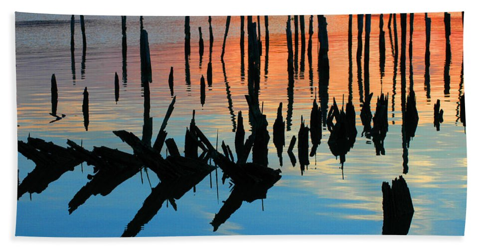 Clay Beach Sheet featuring the photograph Sunset In Colonial Beach Virginia by Clayton Bruster