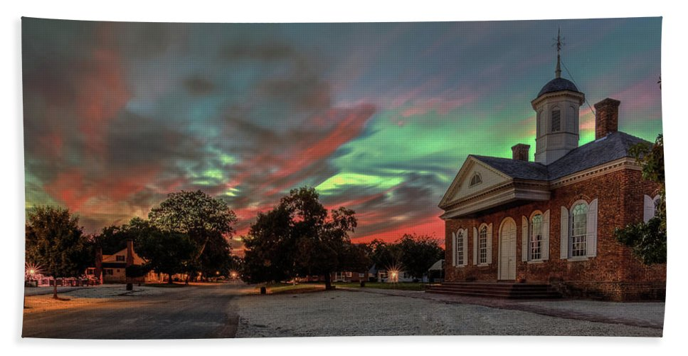 Williamsburg Beach Towel featuring the photograph Sunset In Williamsburg Virginia by Jerry Gammon
