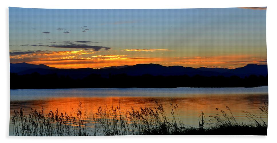 Lake Dillon Beach Towel featuring the photograph Sunset On Lake Dillon by Regina Strehl