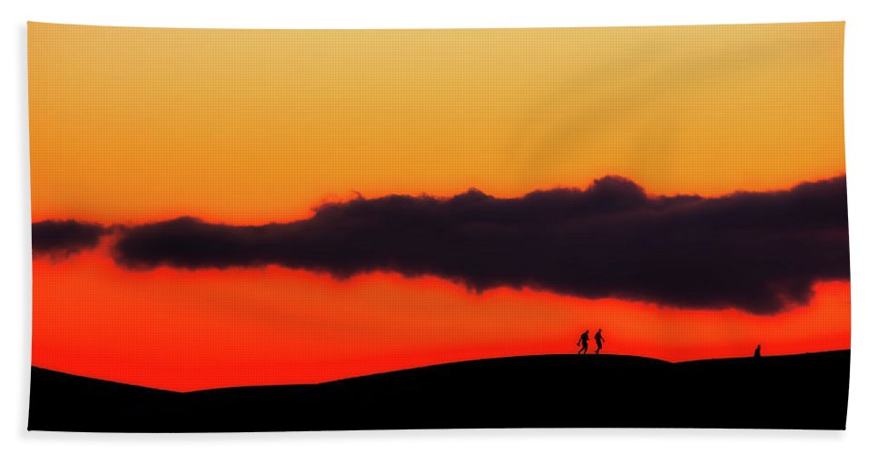 Panorama Beach Towel featuring the photograph Sunset Stroll by Kevin K Model
