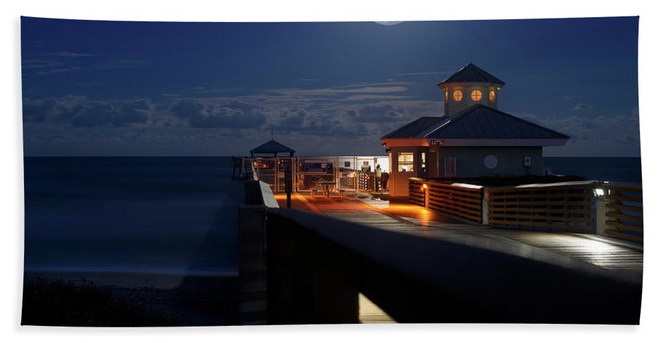 Full Moon Beach Towel featuring the photograph Super Moon At Juno Pier by Laura Fasulo