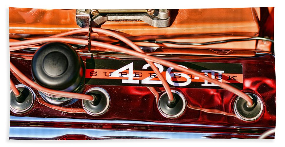 Chrysler Beach Towel featuring the photograph Super Stock Ss 426 IIi Hemi Motor by Gordon Dean II