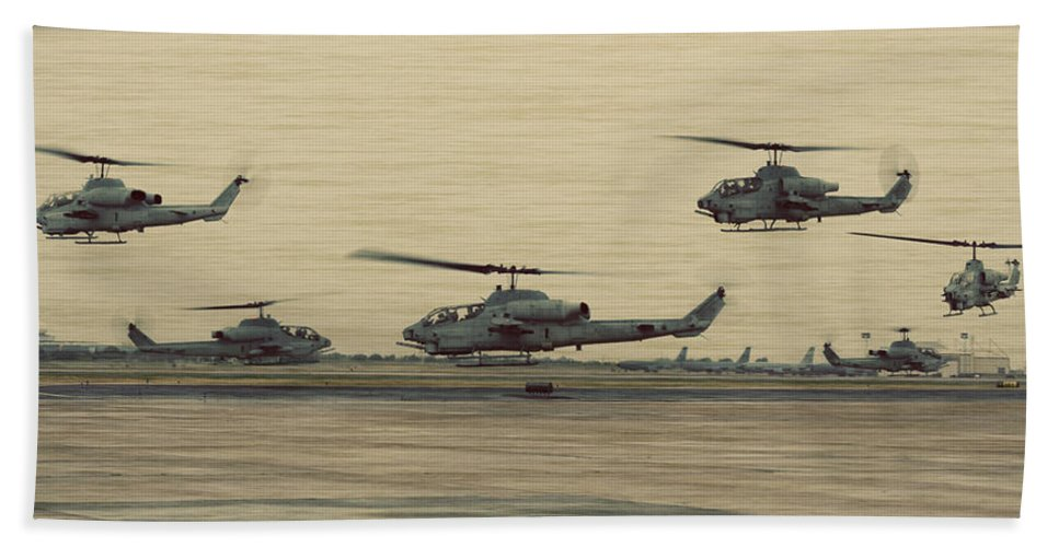 Bell Beach Towel featuring the photograph Swarming Cobras by Ricky Barnard
