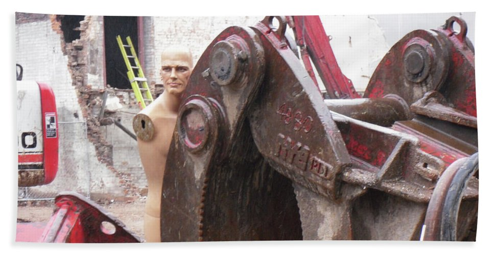 Terminator Beach Towel featuring the photograph Terminator In Toronto by Marwan George Khoury