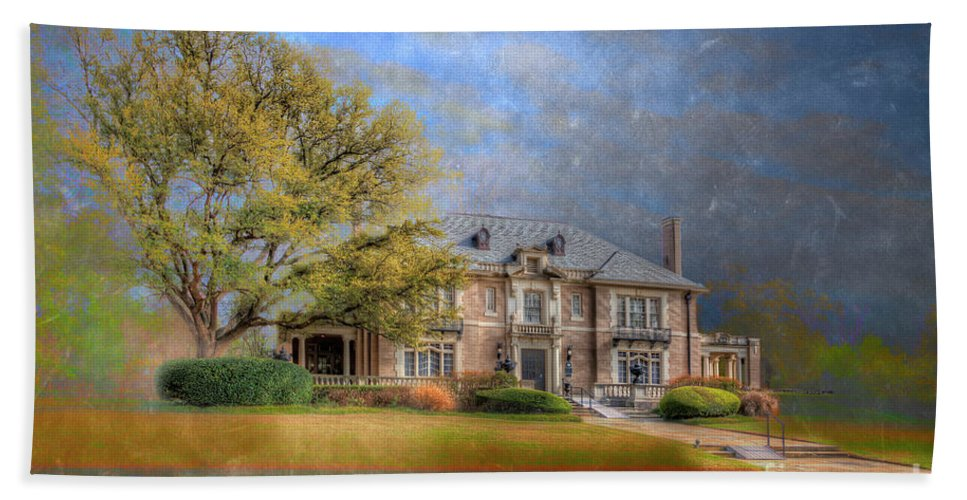 Horizontal Beach Towel featuring the photograph The Aldredge House by Larry Braun