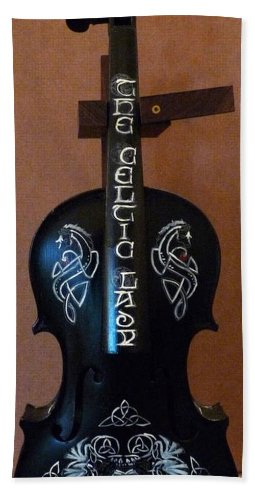 Violin Beach Towel featuring the painting The Celtic Lady 1 by Richard Le Page
