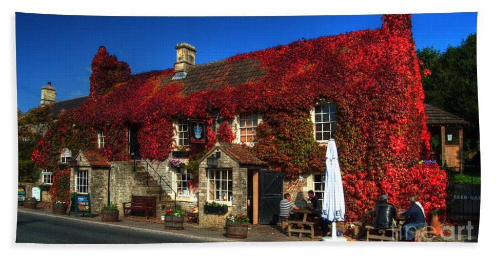 Crown Beach Towel featuring the photograph The Crown At Kelston by Rob Hawkins