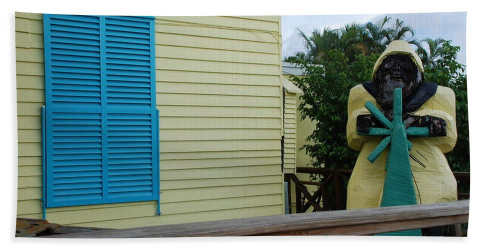 Architecture Beach Towel featuring the photograph The Gordons Fisherman by Rob Hans