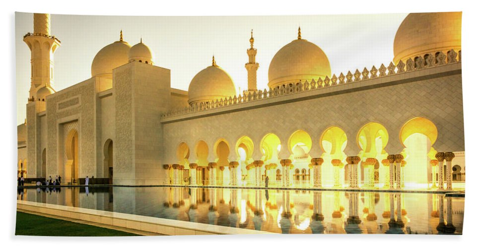 Mosque Beach Towel featuring the photograph The Mosque by Andrew Matwijec