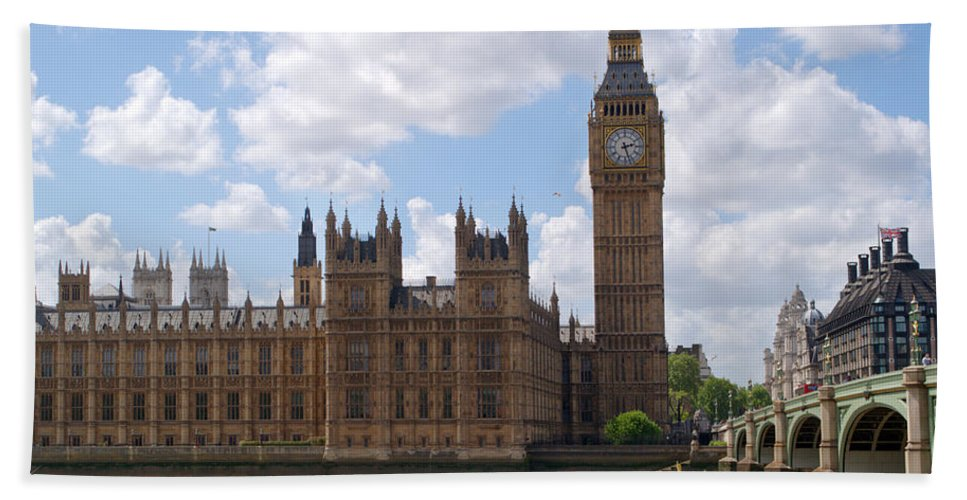 Big Ben Beach Towel featuring the photograph The Palace Of Westminster by Chris Day
