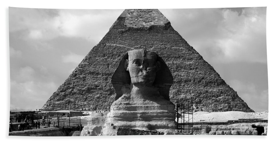 Pyramid Beach Towel featuring the photograph The Sphynx And The Pyramid by Donna Corless