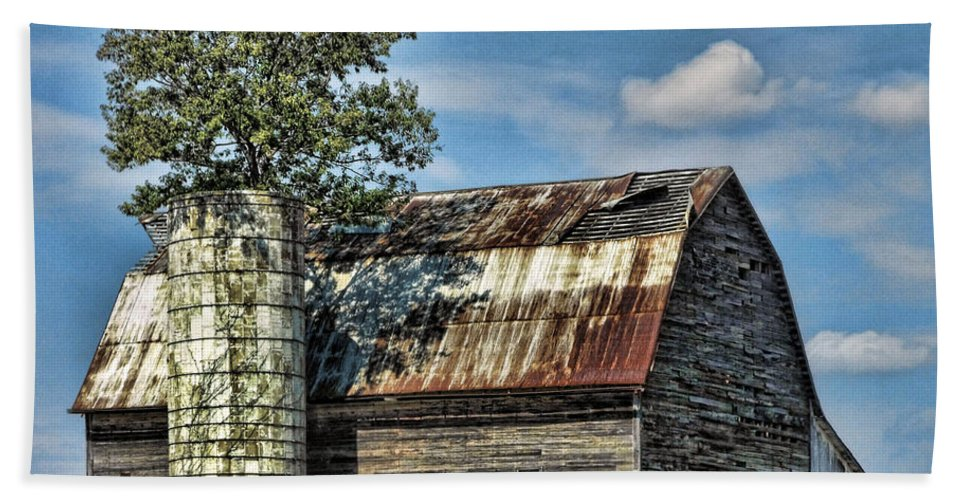 Farms Beach Towel featuring the photograph The Tree Silo by Kristie Bonnewell