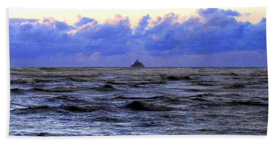Lighthouse Beach Sheet featuring the photograph Tillamook Rock Lighthouse by Will Borden