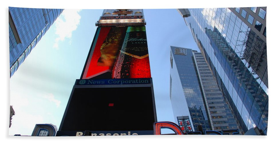Times Square Beach Towel featuring the photograph Times Square Cops by Rob Hans