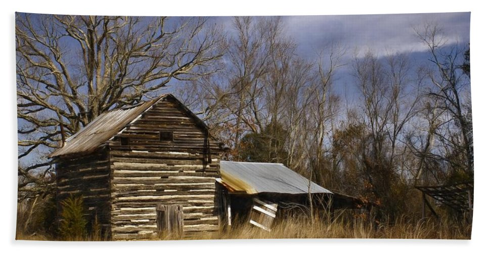 Tobacco Beach Towel featuring the photograph Tobacco Road by Benanne Stiens