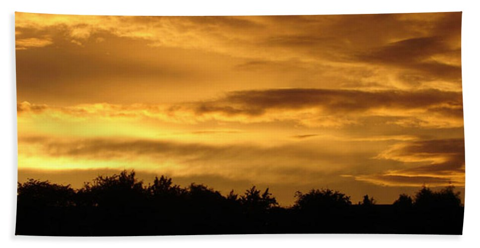 Sunset Beach Towel featuring the photograph Toffee Sunset by Carol Lynch