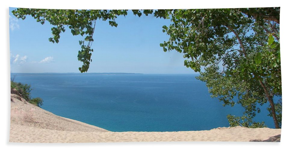 Sleeping Bear Dunes Beach Towel featuring the photograph Top Of The Dune At Sleeping Bear by Michelle Calkins