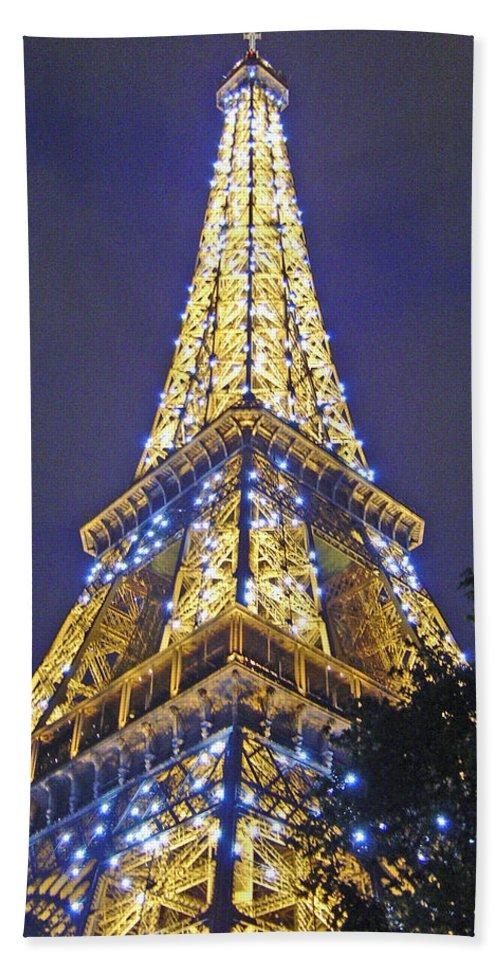 Eiffel Tower Paris France Beach Sheet featuring the photograph Tour Eiffel 2007 by Joanne Smoley