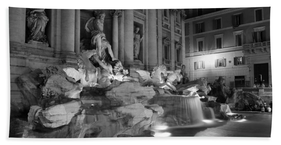 Trevi Fountain Beach Towel featuring the photograph Trevi Fountain Night 2 by Andrew Fare
