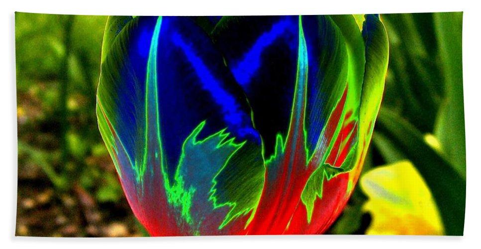 Resplendent Beach Sheet featuring the digital art Tulipshow by Will Borden