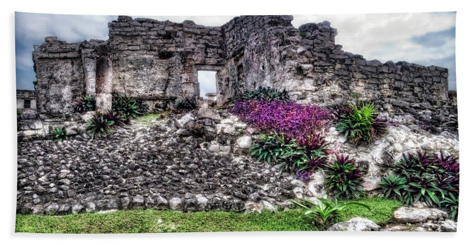 Tulum Beach Towel featuring the photograph Tulum Temple Ruins No.2 by Tammy Wetzel