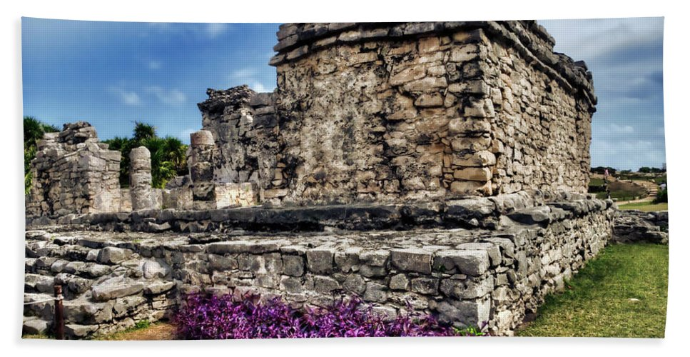 Tulum Beach Towel featuring the photograph Tulum Temple Ruins by Tammy Wetzel