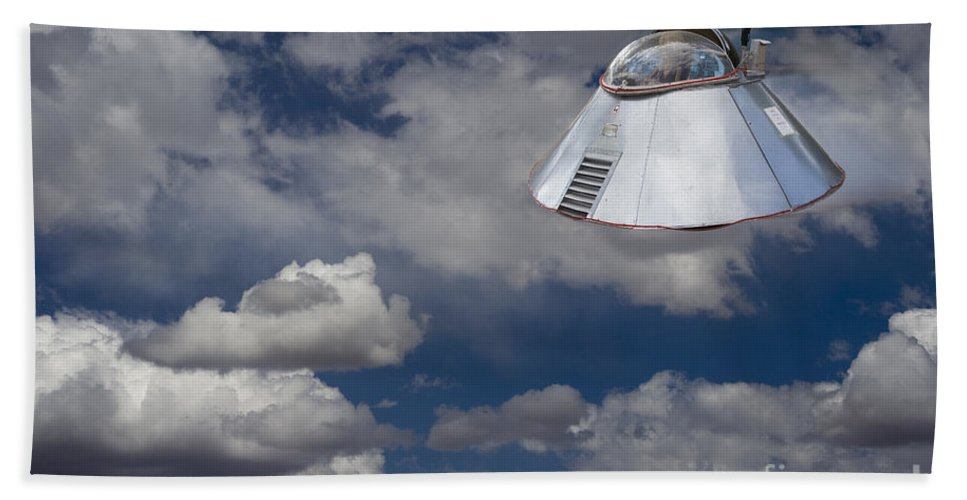 Ufo Beach Towel featuring the photograph Ufo Sighting by Tim Hightower