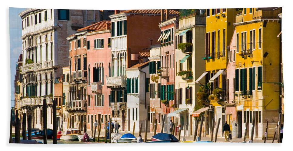 Buildings Beach Towel featuring the photograph Venice 16 by Sheila Laurens