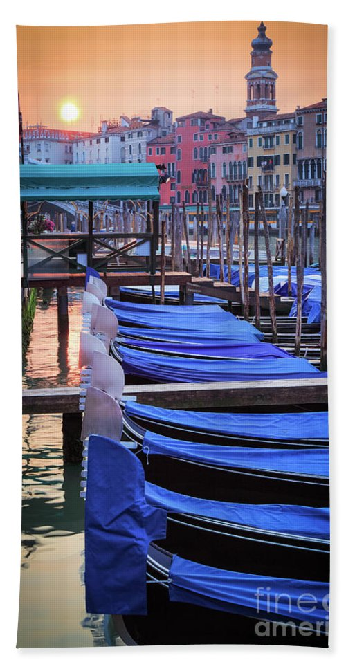Canal Grande Beach Towel featuring the photograph Venice Sunrise by Inge Johnsson