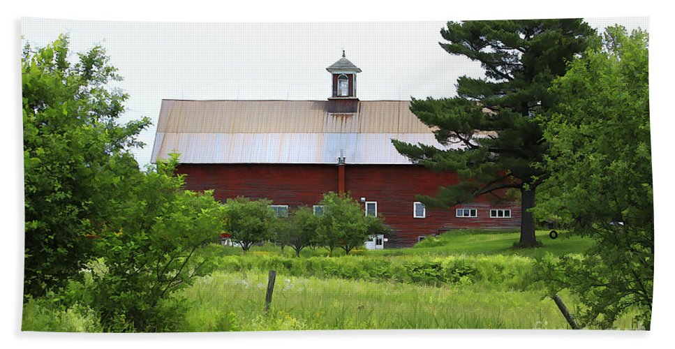 Barn Beach Towel featuring the photograph Vermont Barn With Tire Swing by Deborah Benoit