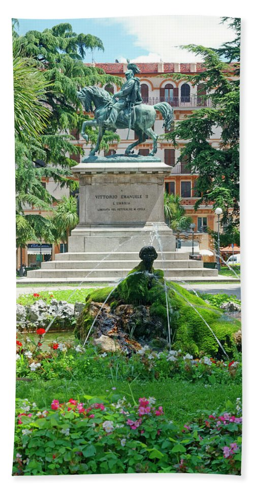 Bronze Equestrian Statue Beach Towel featuring the photograph Vittorio Emanuele II Statue by Sally Weigand