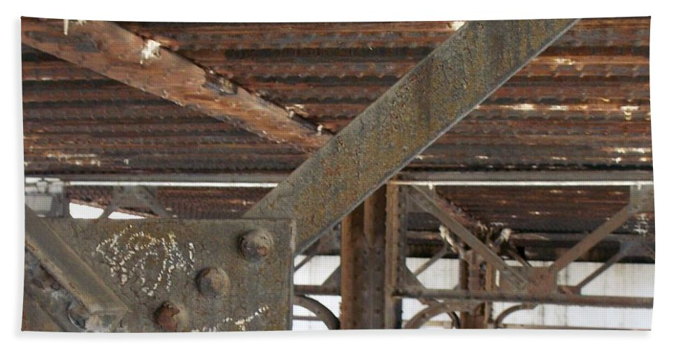 Walker's Point Beach Sheet featuring the photograph Walker's Point 6 by Anita Burgermeister