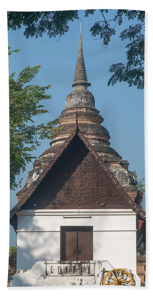 Scenic Beach Towel featuring the photograph Wat Jed Yod Phra Ubosot Dthcm0967 by Gerry Gantt