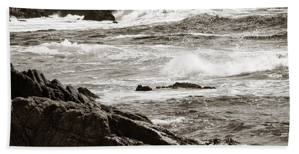 Pebble Beach Beach Towel featuring the photograph Waves Crashing by Marilyn Hunt