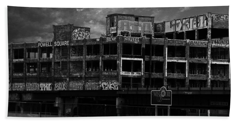 Missouri Beach Towel featuring the photograph Welcome To Missouri by Anthony Jones
