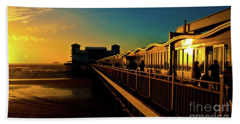 Weston Beach Towel featuring the photograph Weston Pier At Sunset by Rob Hawkins