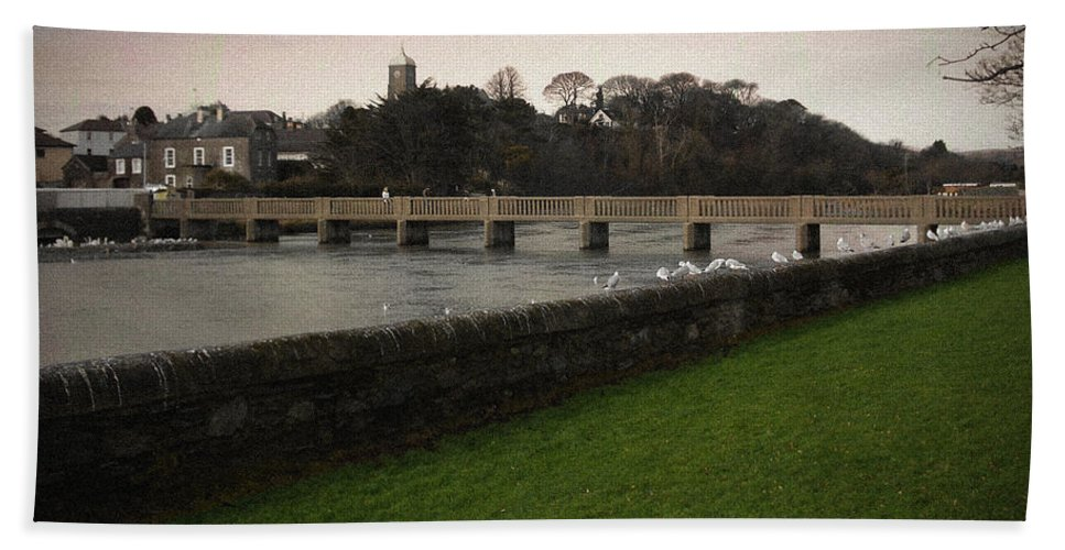 Footbridge Beach Sheet featuring the photograph Wicklow Footbridge by Tim Nyberg