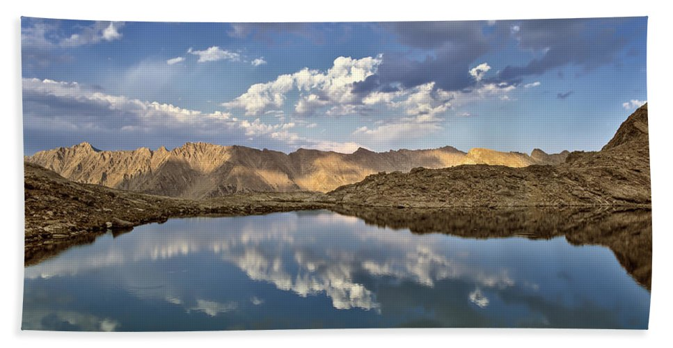 Idaho Scenics Beach Towel featuring the photograph Wildhorse Lake Reflections by Leland D Howard