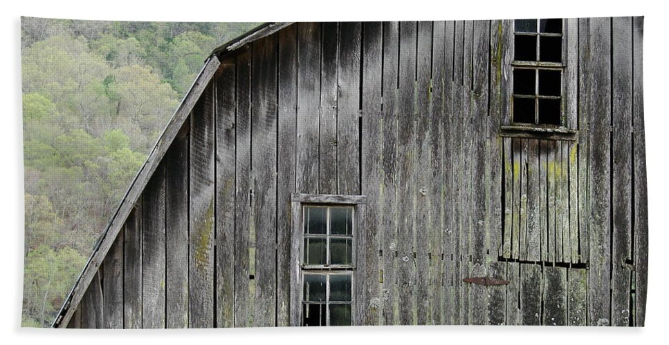 Old Barns Beach Towel featuring the photograph Windows Of The Past by Mary Halpin
