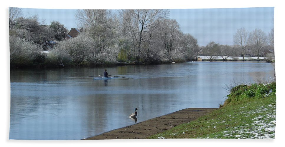 Sky Beach Towel featuring the photograph Wintry River At Stapenhill by Rod Johnson