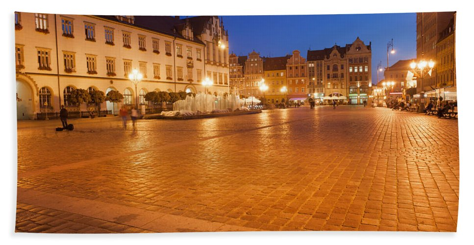 Wroclaw Beach Towel featuring the photograph Wroclaw Old Town Market Square At Night by Artur Bogacki