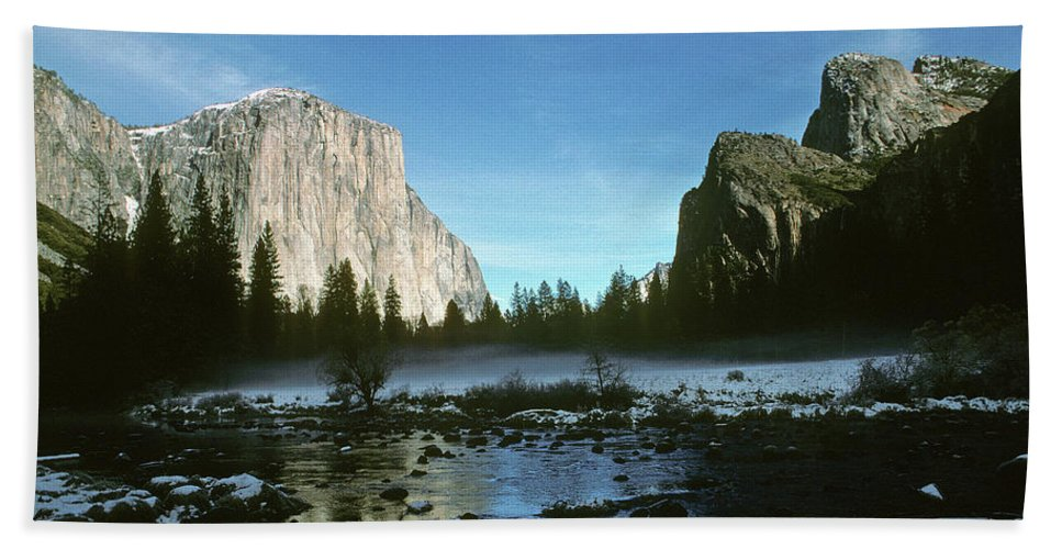 El Capitan Beach Towel featuring the photograph Yosemite Valley by Steve Williams