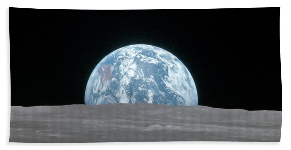 1969 Beach Sheet featuring the photograph Apollo 11, Earthrise, 1969 by Science Source