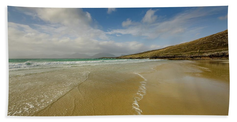 Luskentyre Beach Beach Towel featuring the mixed media Luskentyre 5 by Smart Aviation