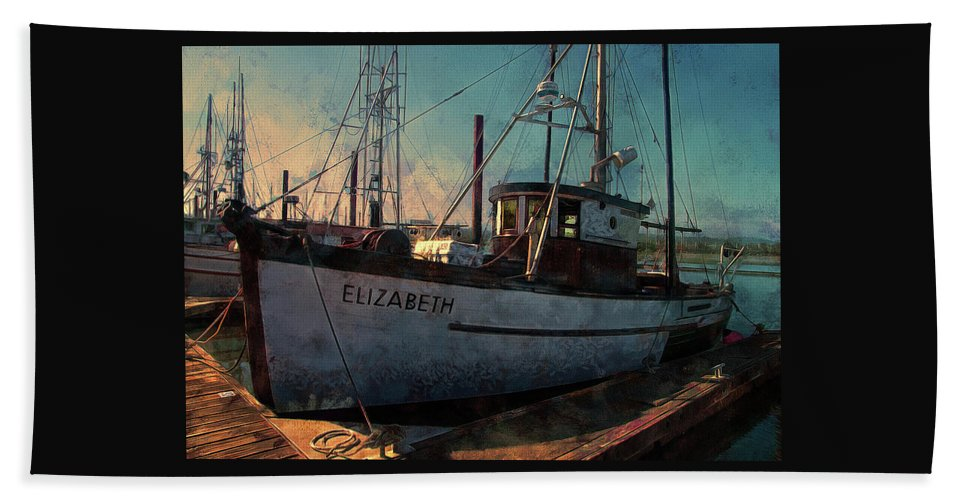 Newport Beach Towel featuring the photograph Elizabeth by Thom Zehrfeld