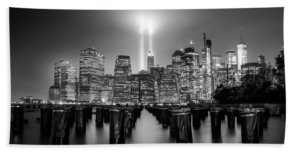 New York Beach Towel featuring the photograph Spirit Of New York by Nicklas Gustafsson